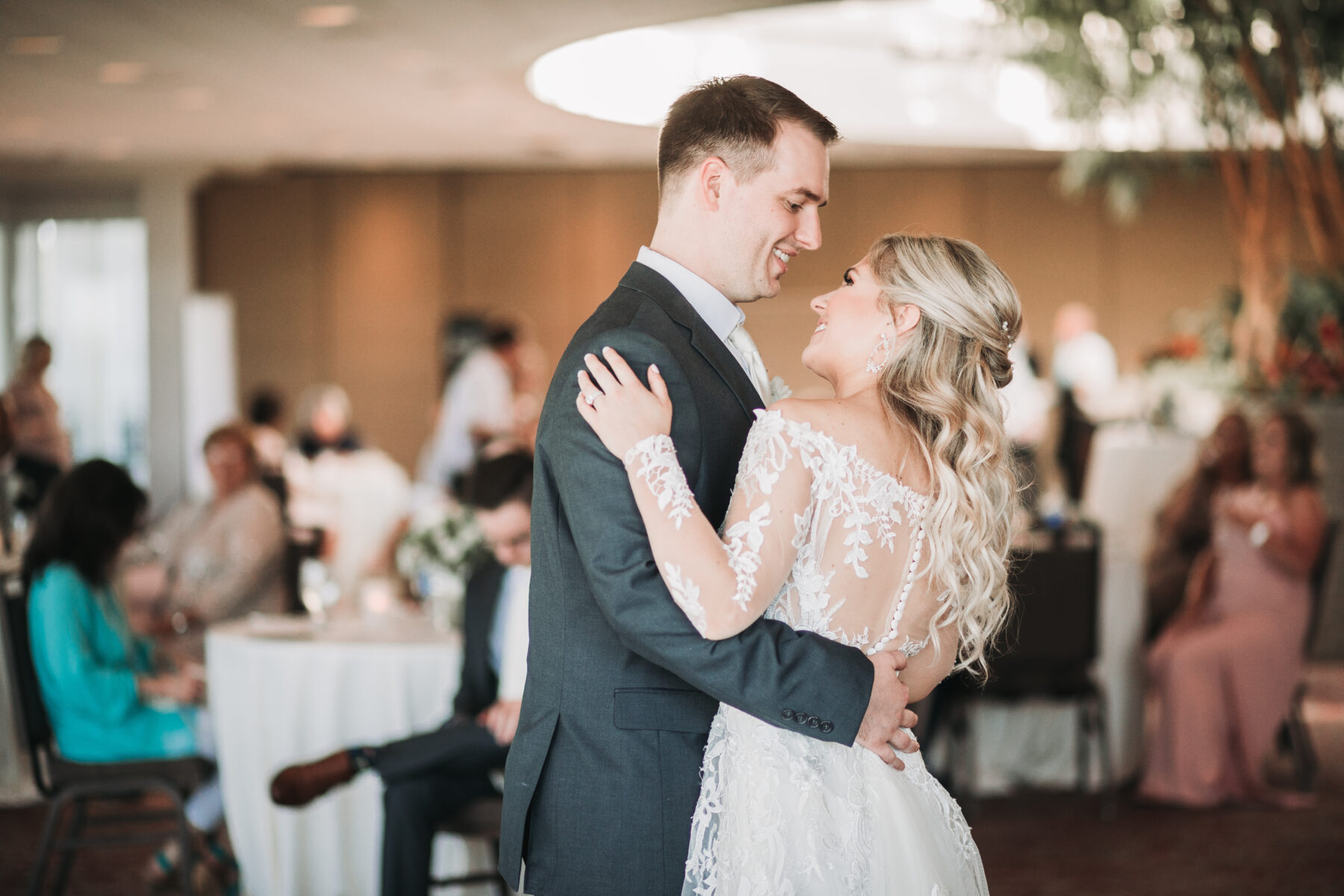 First dance wedding photography: Romantic Country Club Soiree by Juniper Weddings featured on Nashville Bride Guide