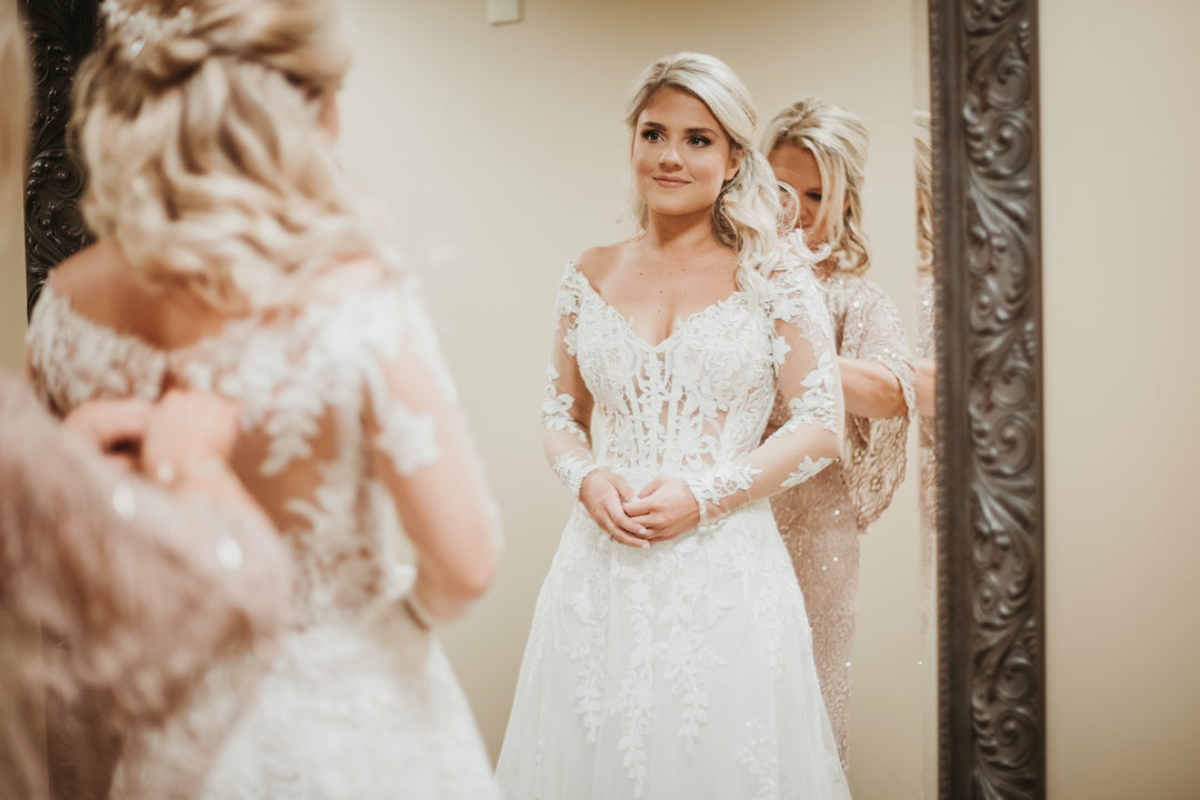 Bride getting ready: Romantic Country Club Soiree by Juniper Weddings featured on Nashville Bride Guide