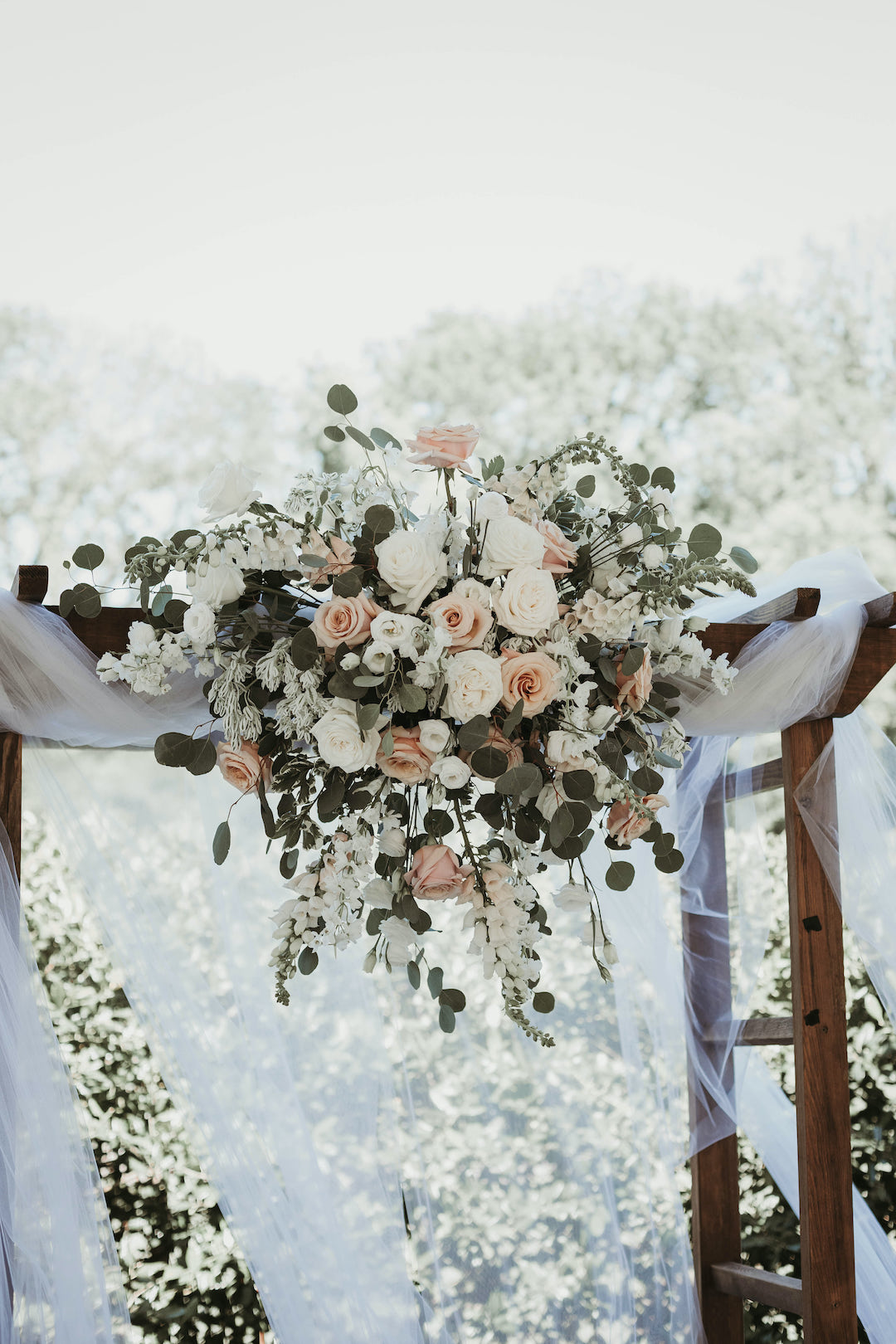 Wedding ceremony flowers: Romantic Country Club Soiree by Juniper Weddings featured on Nashville Bride Guide