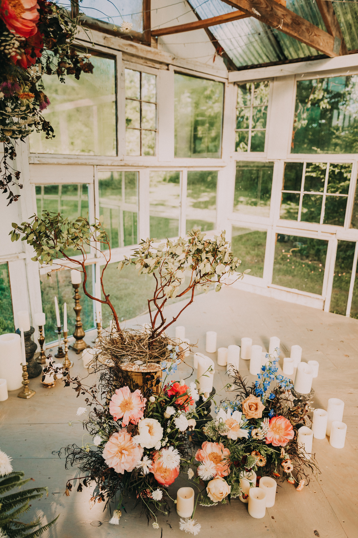 Floral wedding ceremony decor: Flower Farm Styled Shoot by Billie-Shaye Style featured on Nashville Bride Guide