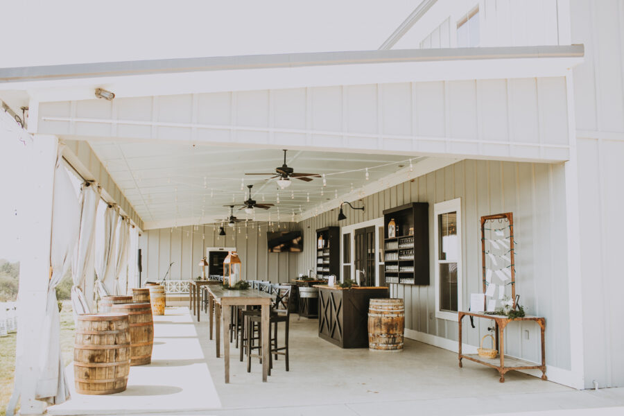 Allenbrooke Farms Wedding: Nashville Wedding with Beautiful Views by Teale Photography featured on Nashville Bride Guide