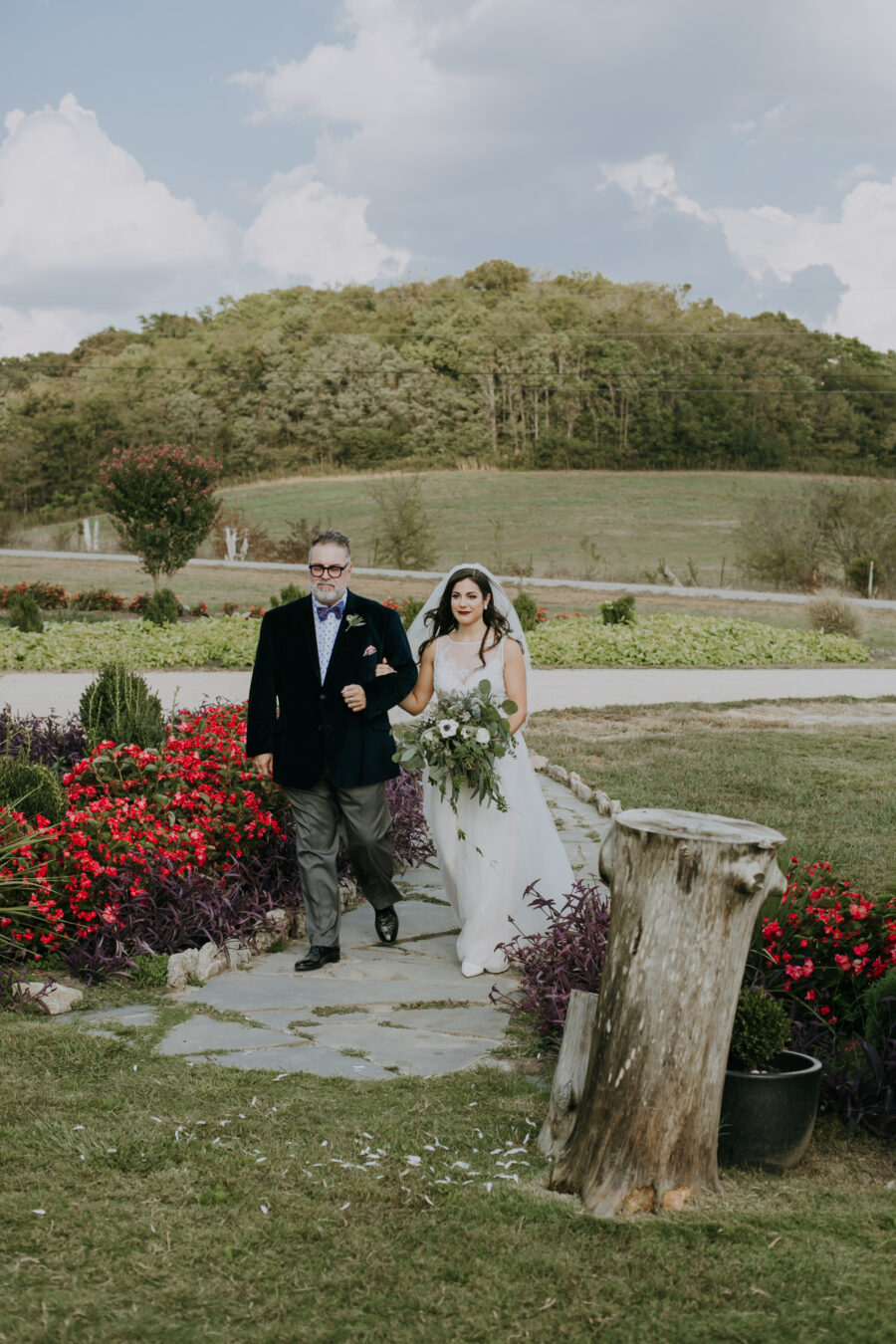 Nashville Wedding with Beautiful Views by Teale Photography featured on Nashville Bride Guide