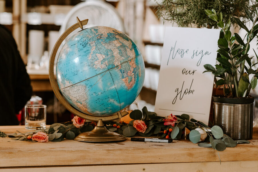 Wedding globe guestbook