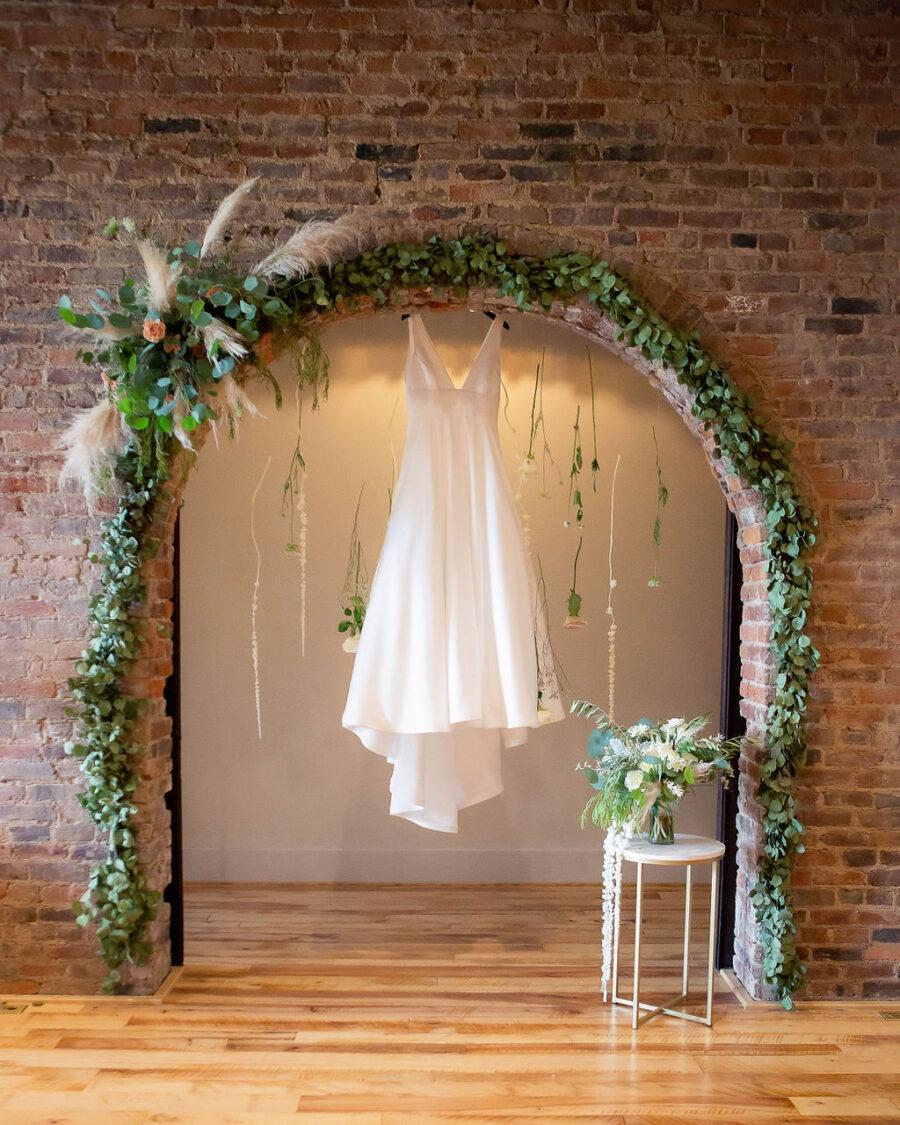 Classic wedding dress design: Travel Inspired Photo Shoot