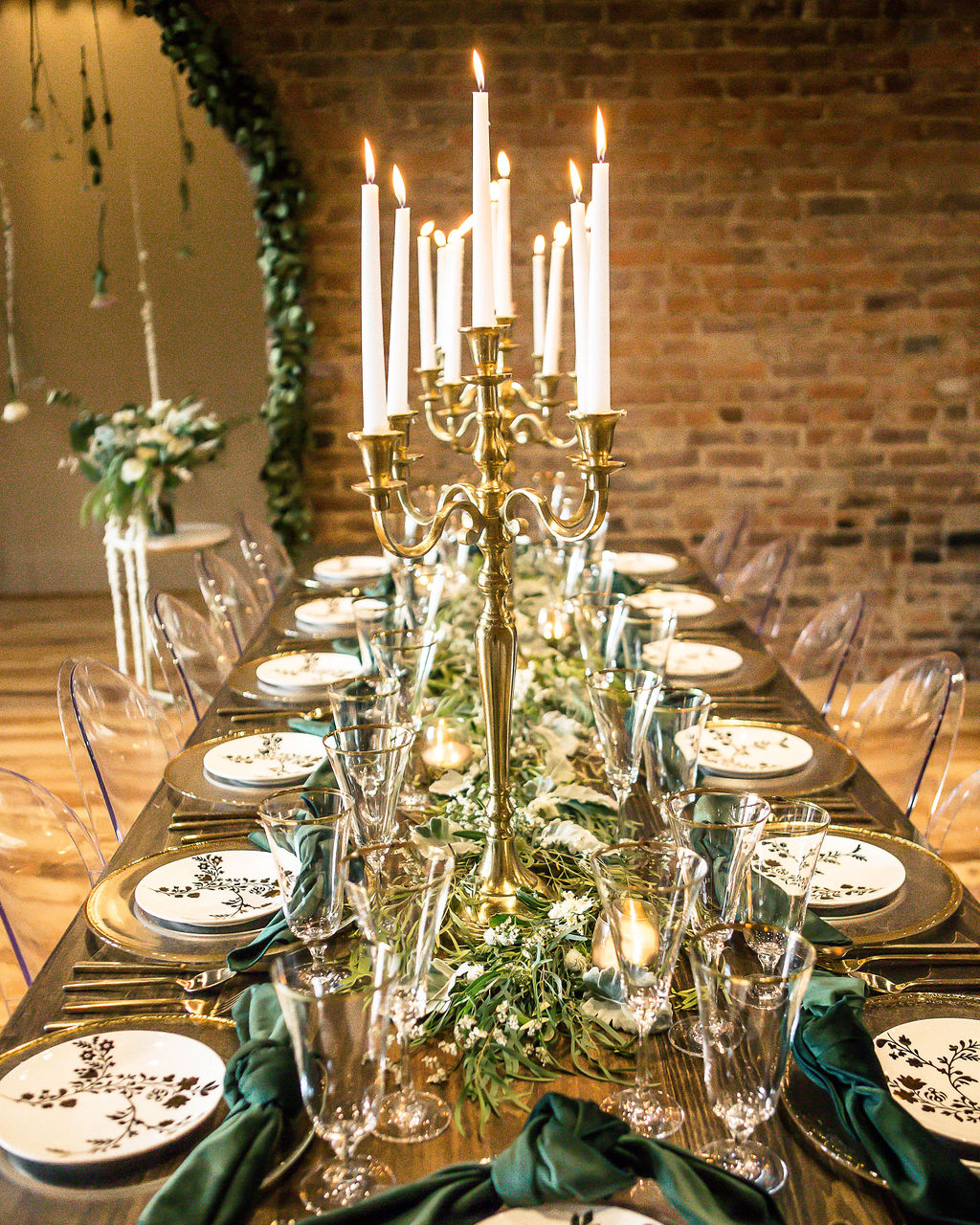 Elegant gold and greenery wedding decor: Travel Inspired Photo Shoot