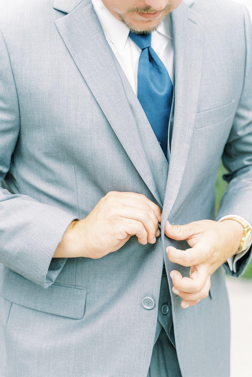 Gray wedding tuxedo with blue tie | Nashville Bride Guide