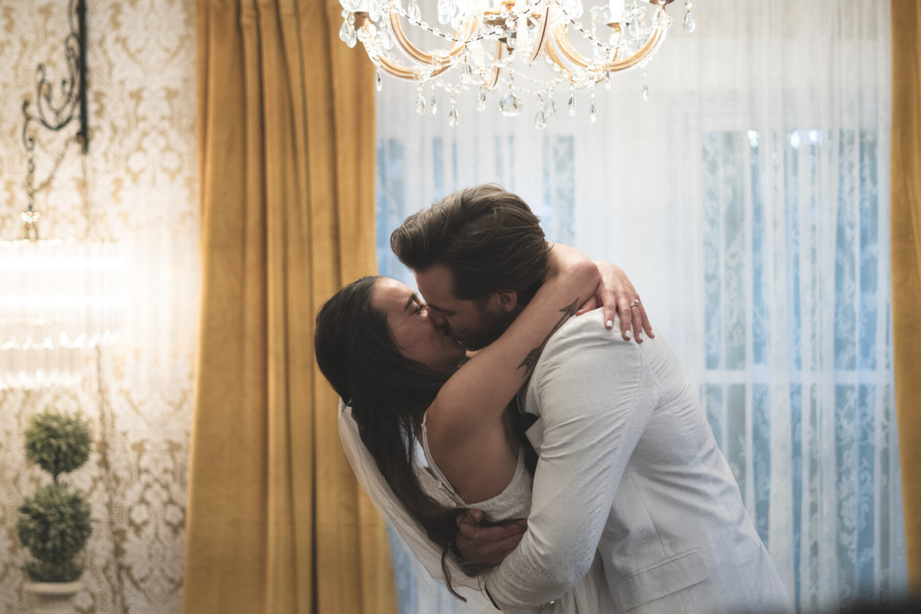Elvis Inspired Elopement at Rhinestone Wedding Chapel | Nashville Bride Guide