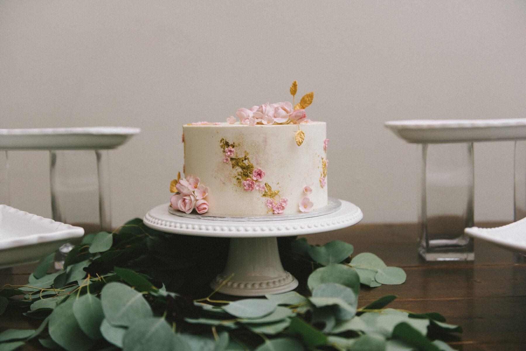 Dulce Desserts Wedding Cake | Nashville Bride Guide