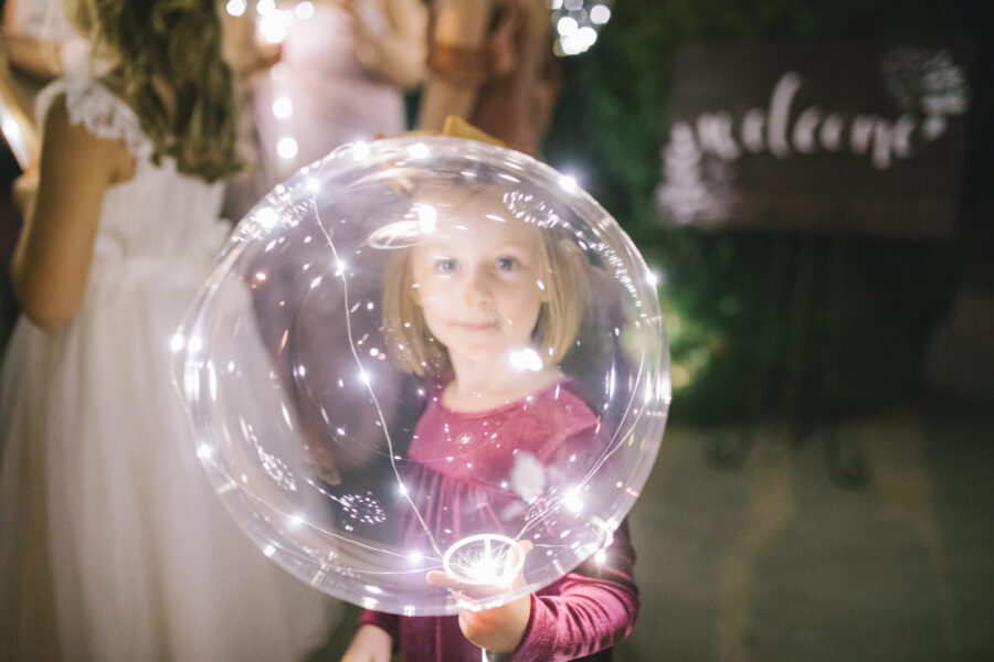 Glowing wedding balloon | Nashville Bride Guide