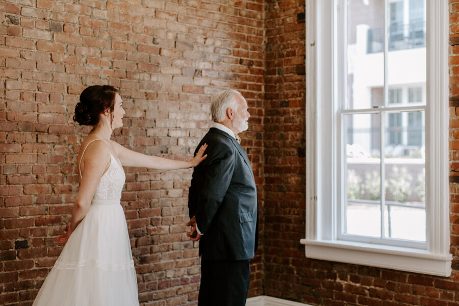 Father daughter first look at McConnell House   Nashville Bride Guide