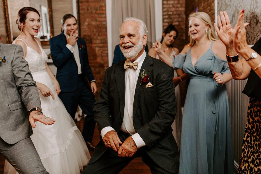 Dancing wedding photography   Nashville Bride Guide