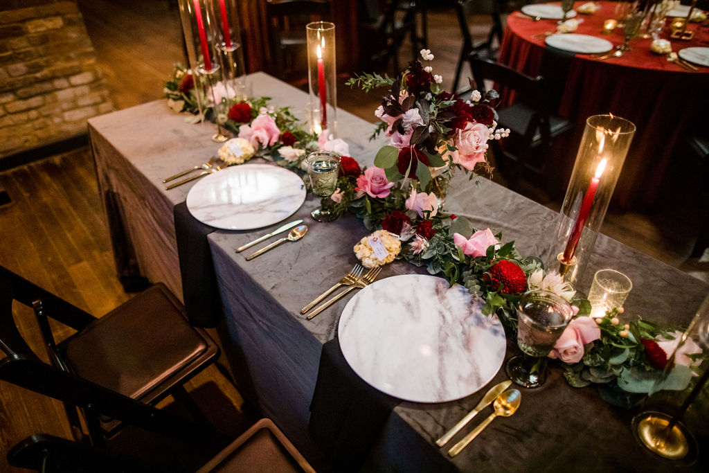 Marble wedding chargers | Nashville Bride Guide