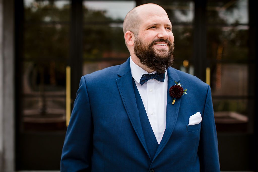Navy blue wedding suit | Nashville Bride Guide