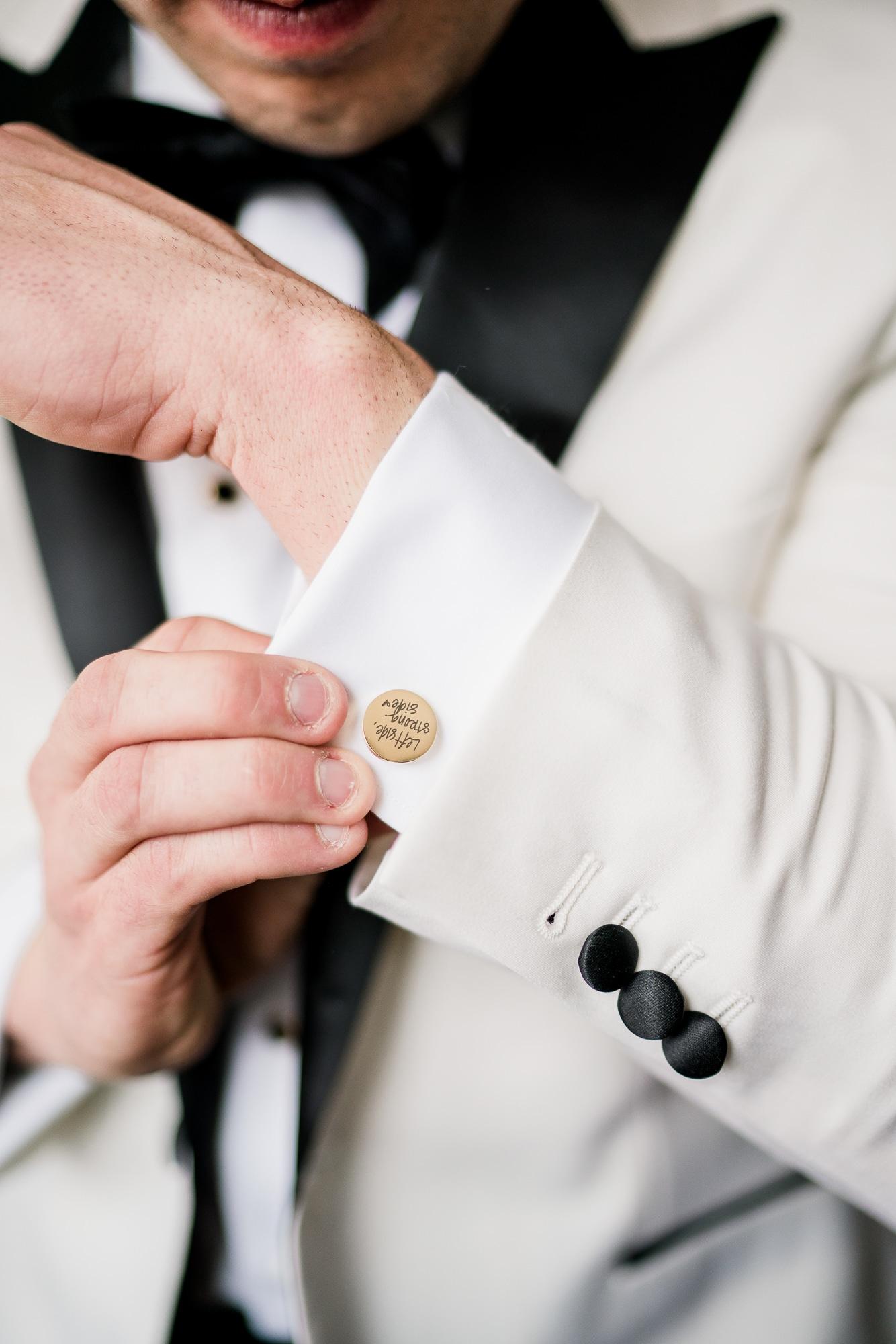 Custom Wedding Cuff Links | Nashville Bride Guide