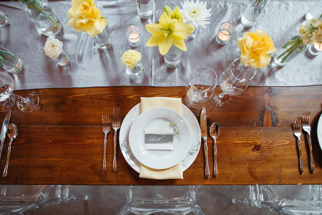 Modern boho wedding place setting | Nashville Bride Guide