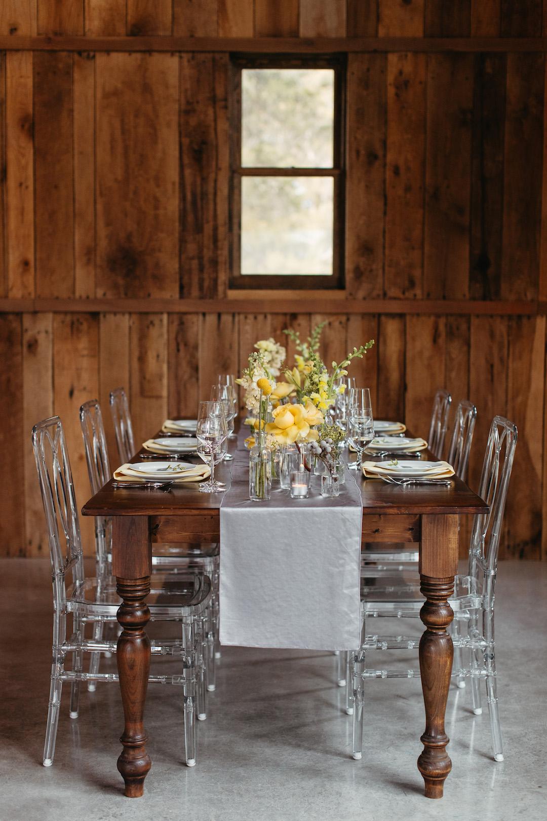 Clear Chiavari wedding table chairs | Nashville Bride Guide