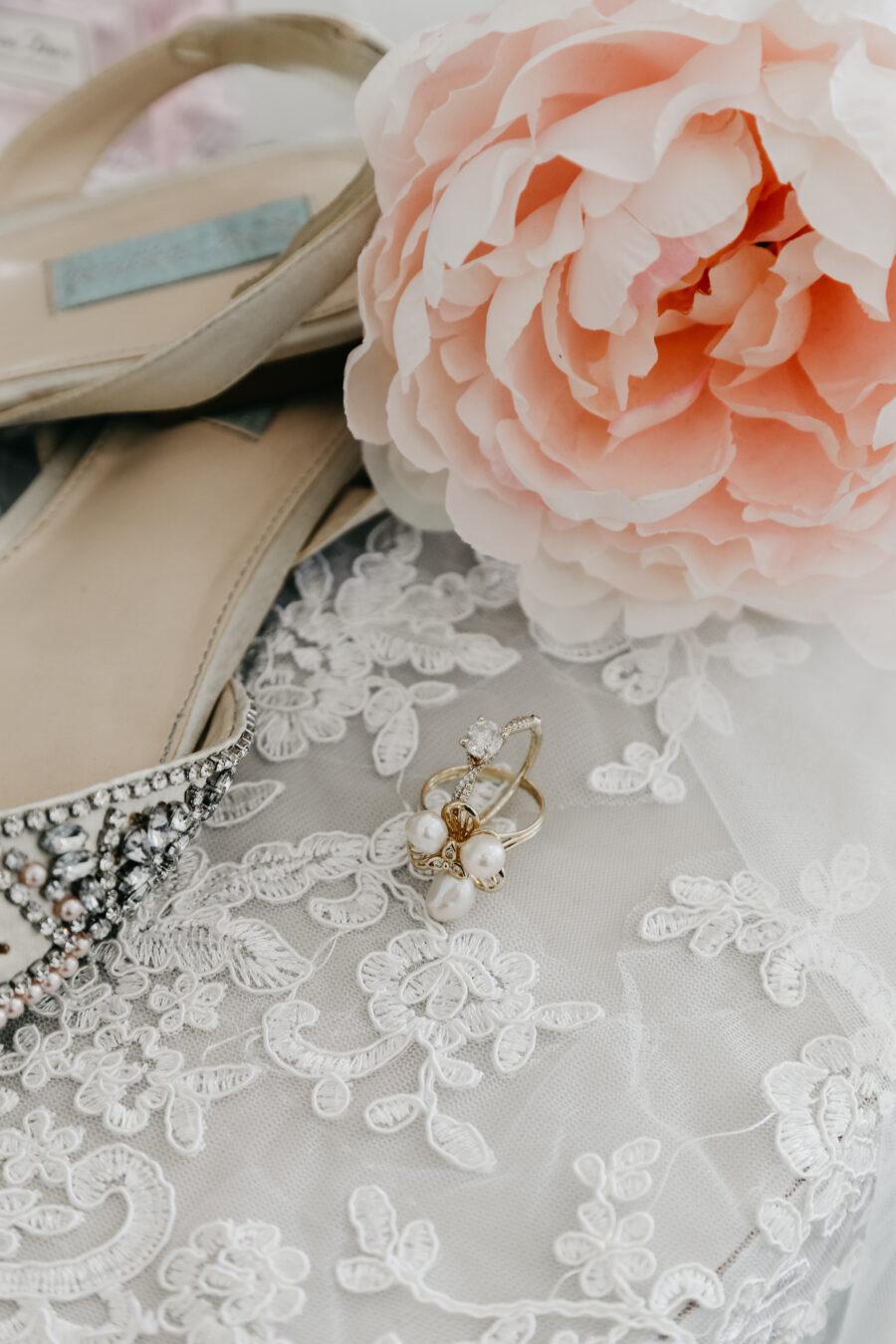 Bridal earrings   Nashville Bride Guide