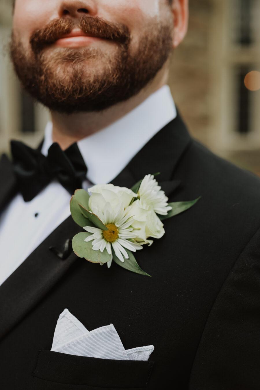 White flower wedding boutonniere   Nashville Bride Guide