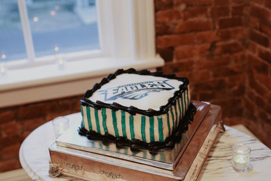 Philadelphia Eagles groom's cake   Nashville Bride Guide