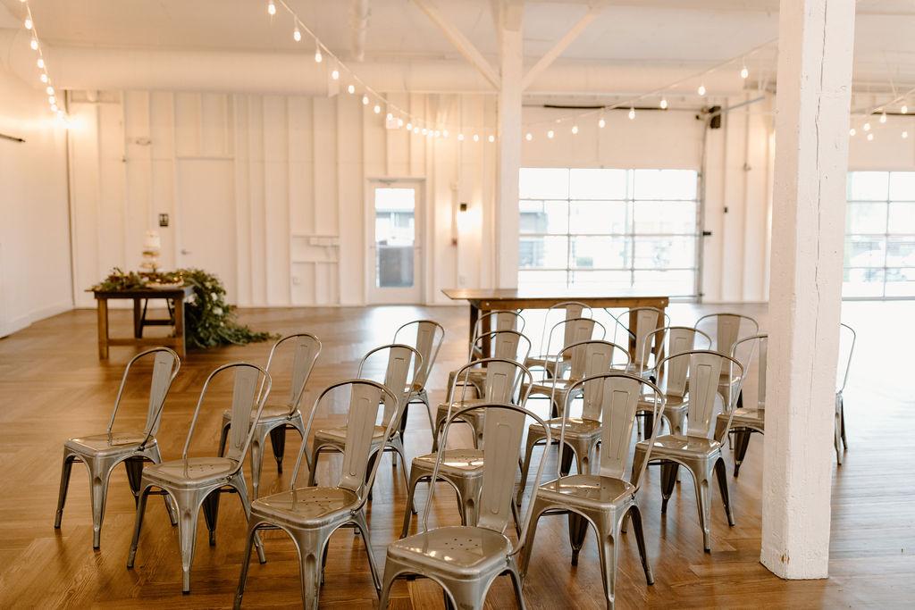 Gunmetal wedding ceremony chairs | Nashville Bride Guide