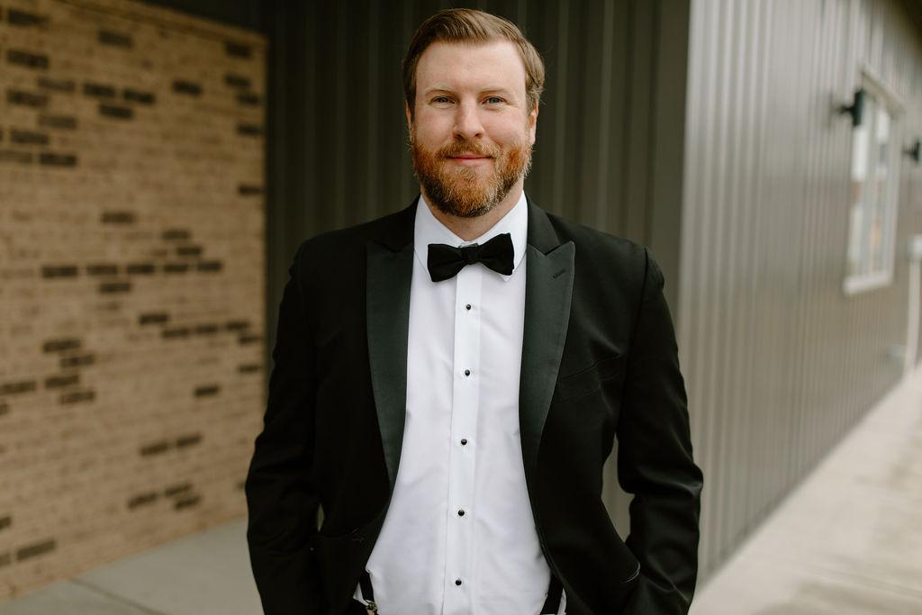 Black and white groom's tuxedo | Nashville Bride Guide