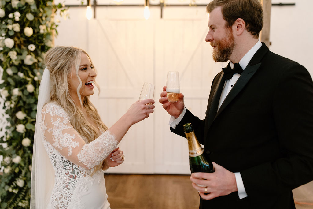Wind and Gold Photography | Nashville Bride Guide