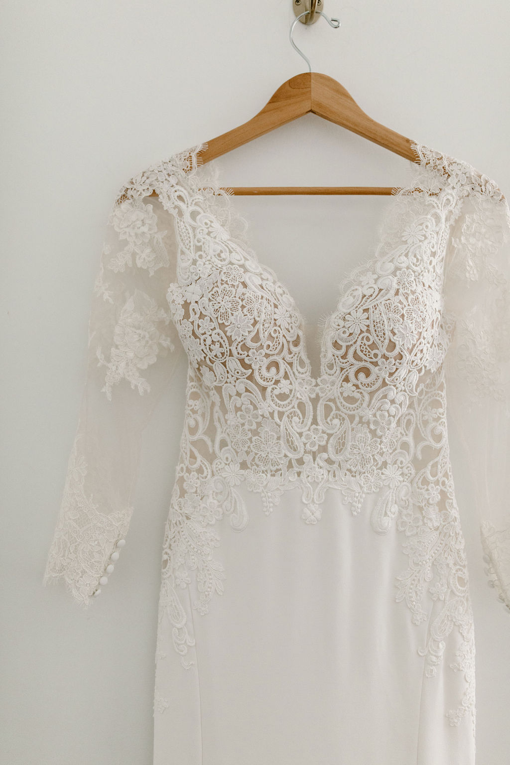 Lace long sleeve wedding dress | Nashville Bride Guide