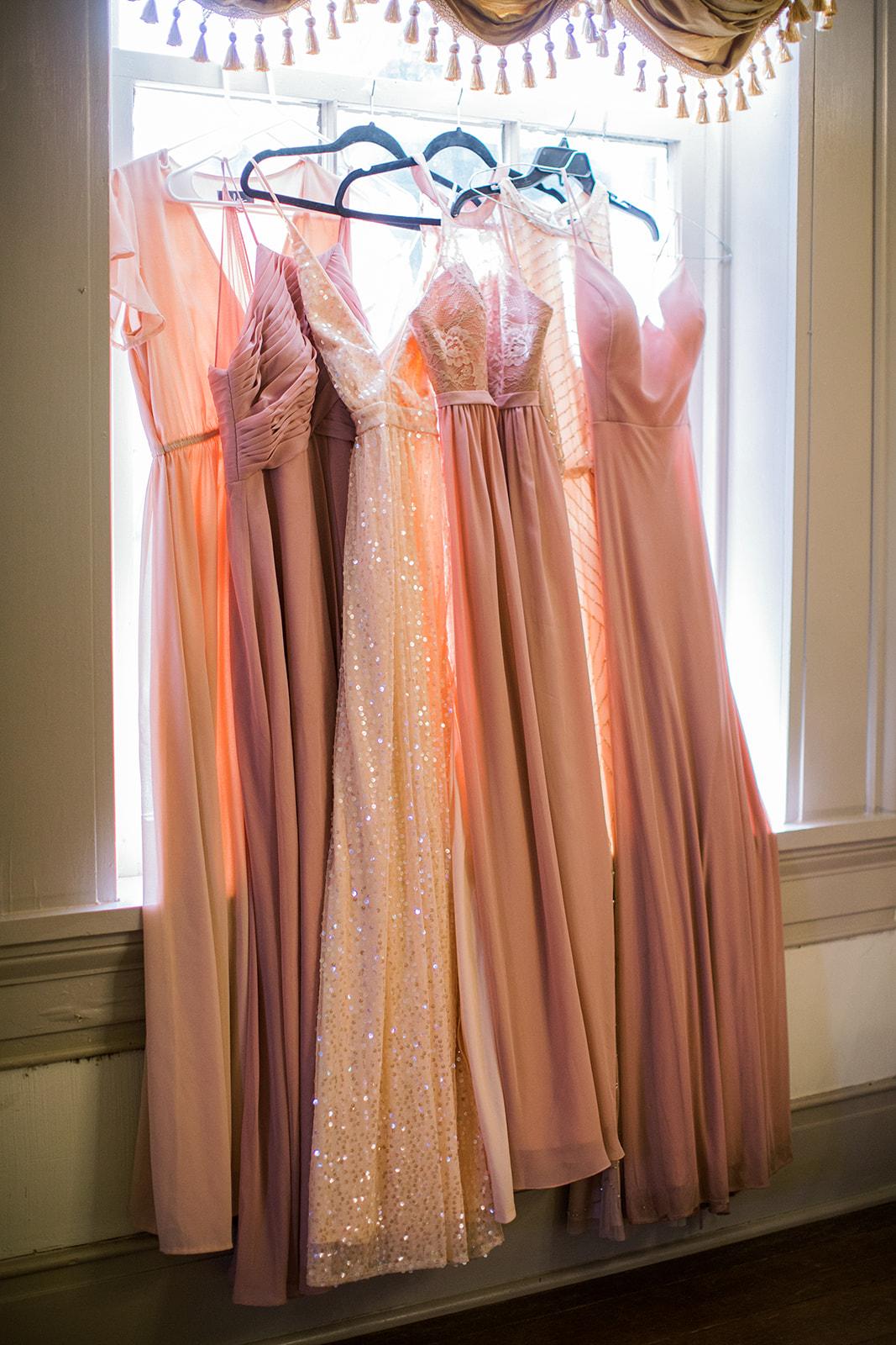 Mismatched blush pink bridesmaids dresses | Nashville Bride Guide