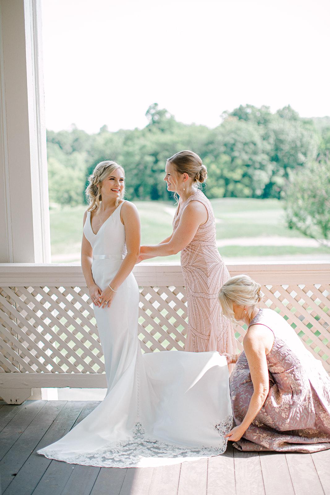 Tennessee Pleasant Hill Mansion Outdoor Wedding | Nashville Bride Guide