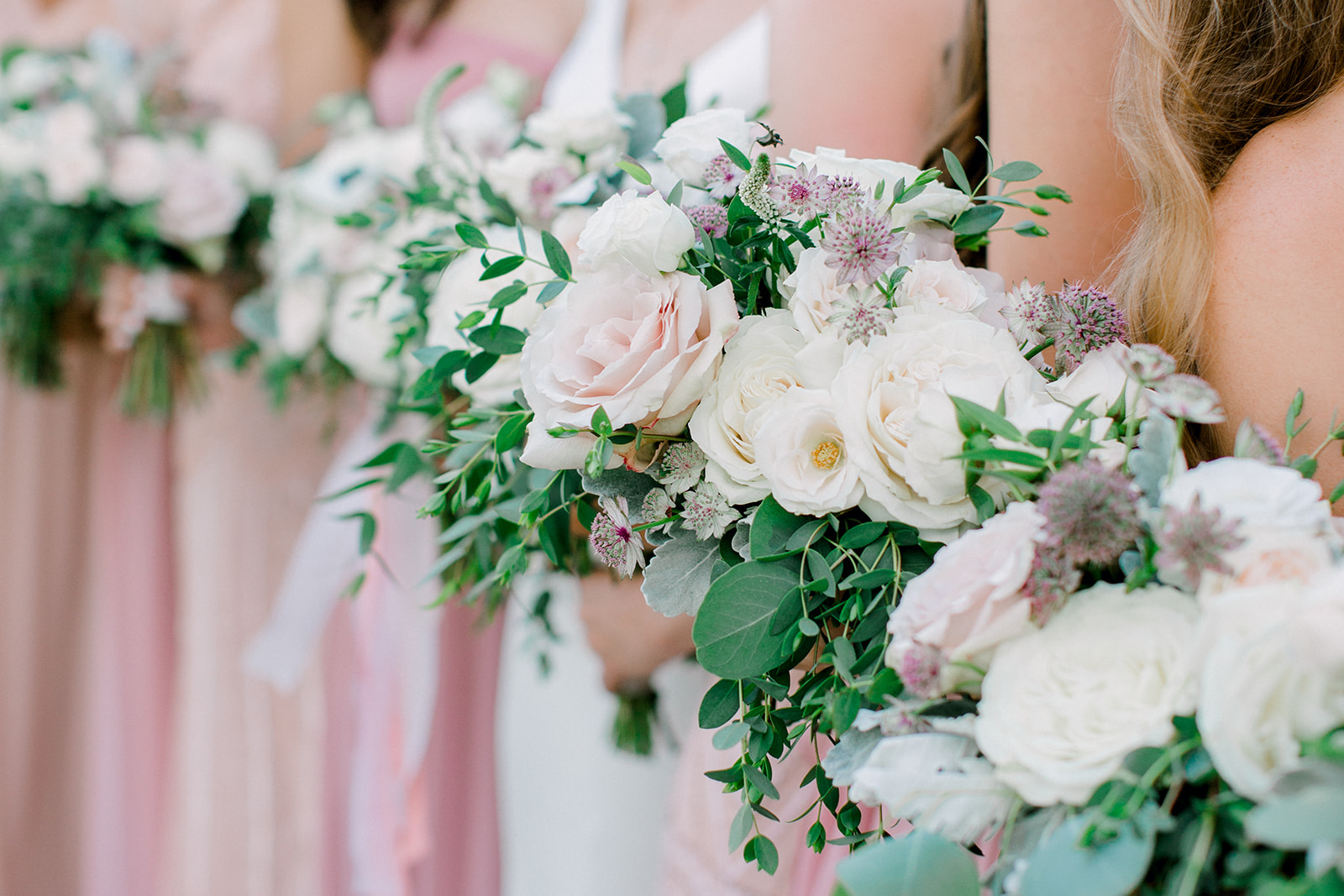 Pink and white wedding bouquets | Nashville Bride Guide