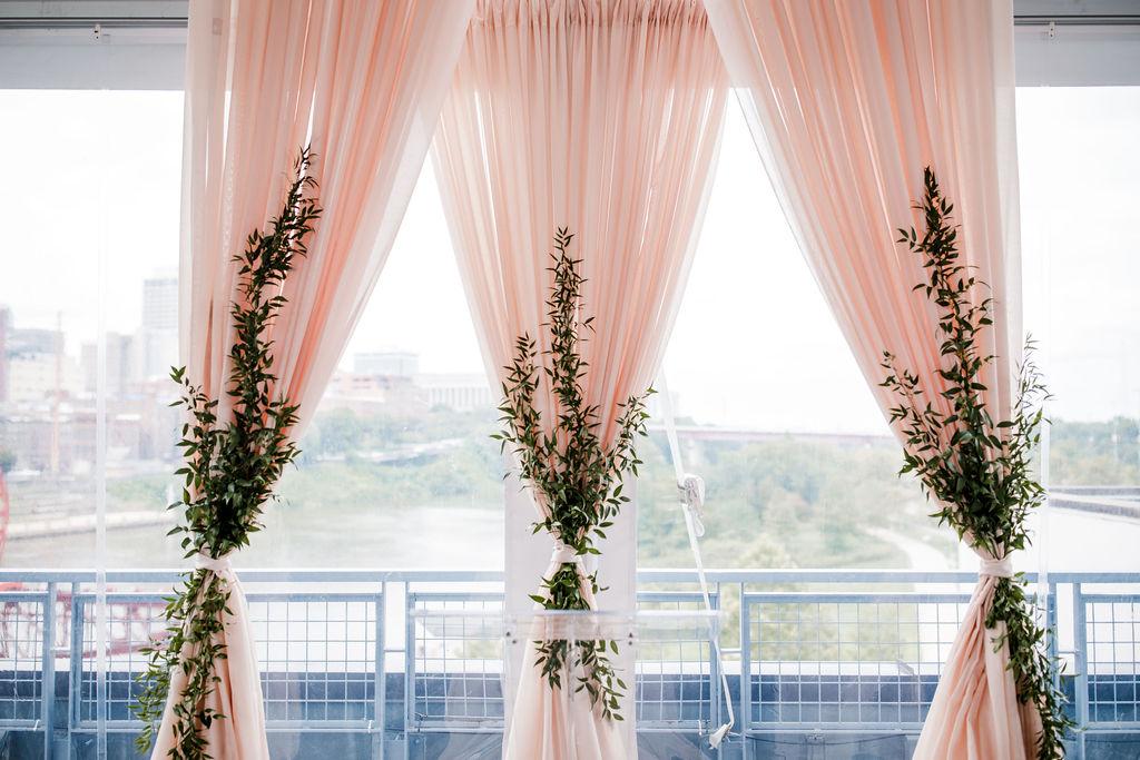 The Bridge Building rooftop wedding ceremony | Nashville Bride Guide