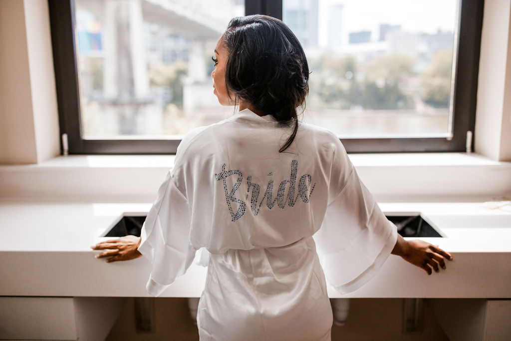 Bride wedding robe | Nashville Bride Guide