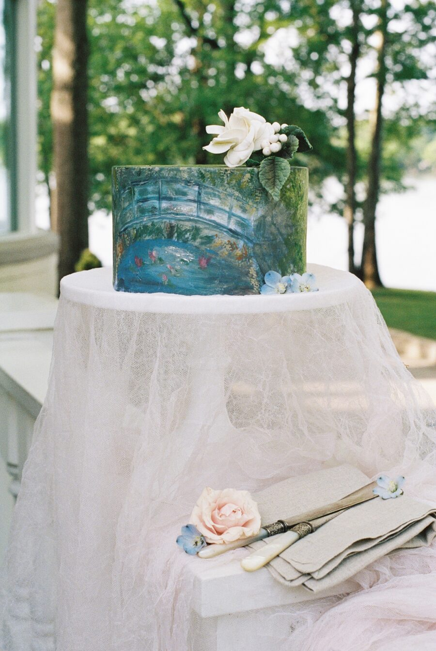Monet Inspired Wedding Cake | Nashville Bride Guide