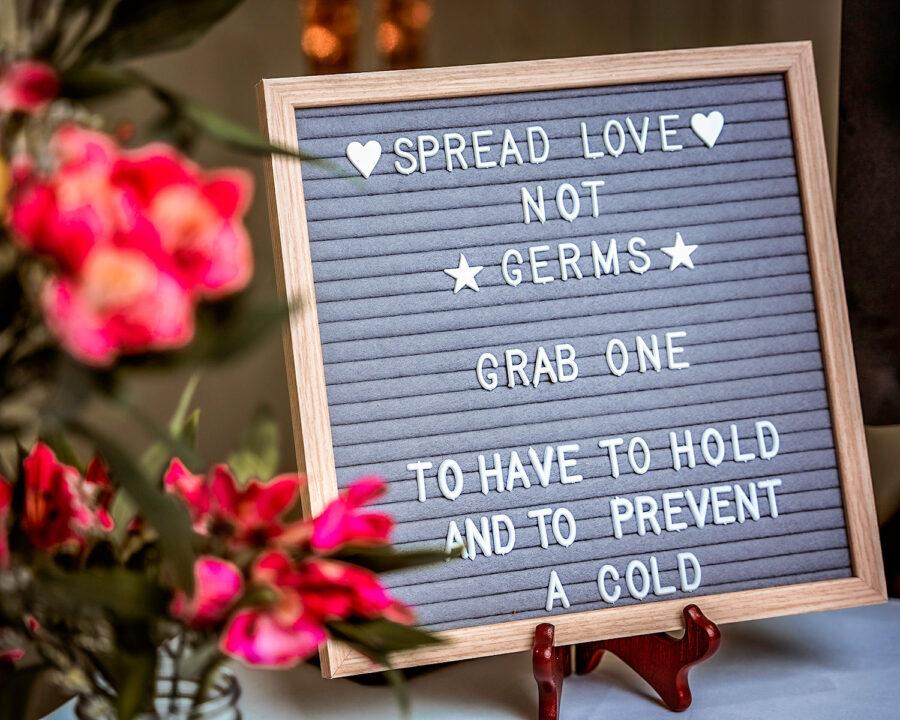 Letterboard wedding sign | Nashville Bride Guide