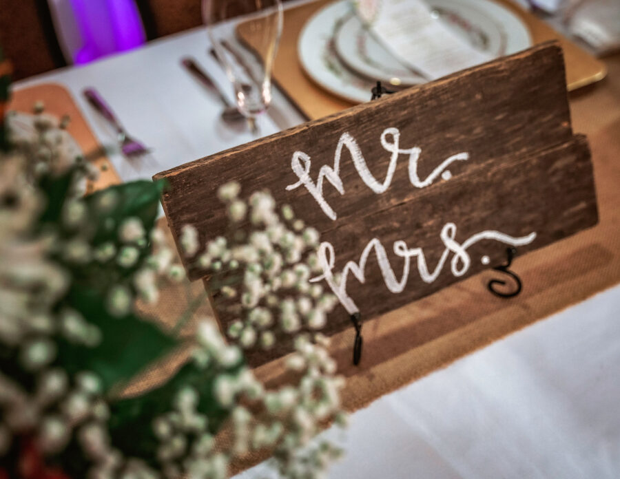 Mr. & Mrs. Rustic wedding sign | Nashville Bride Guide