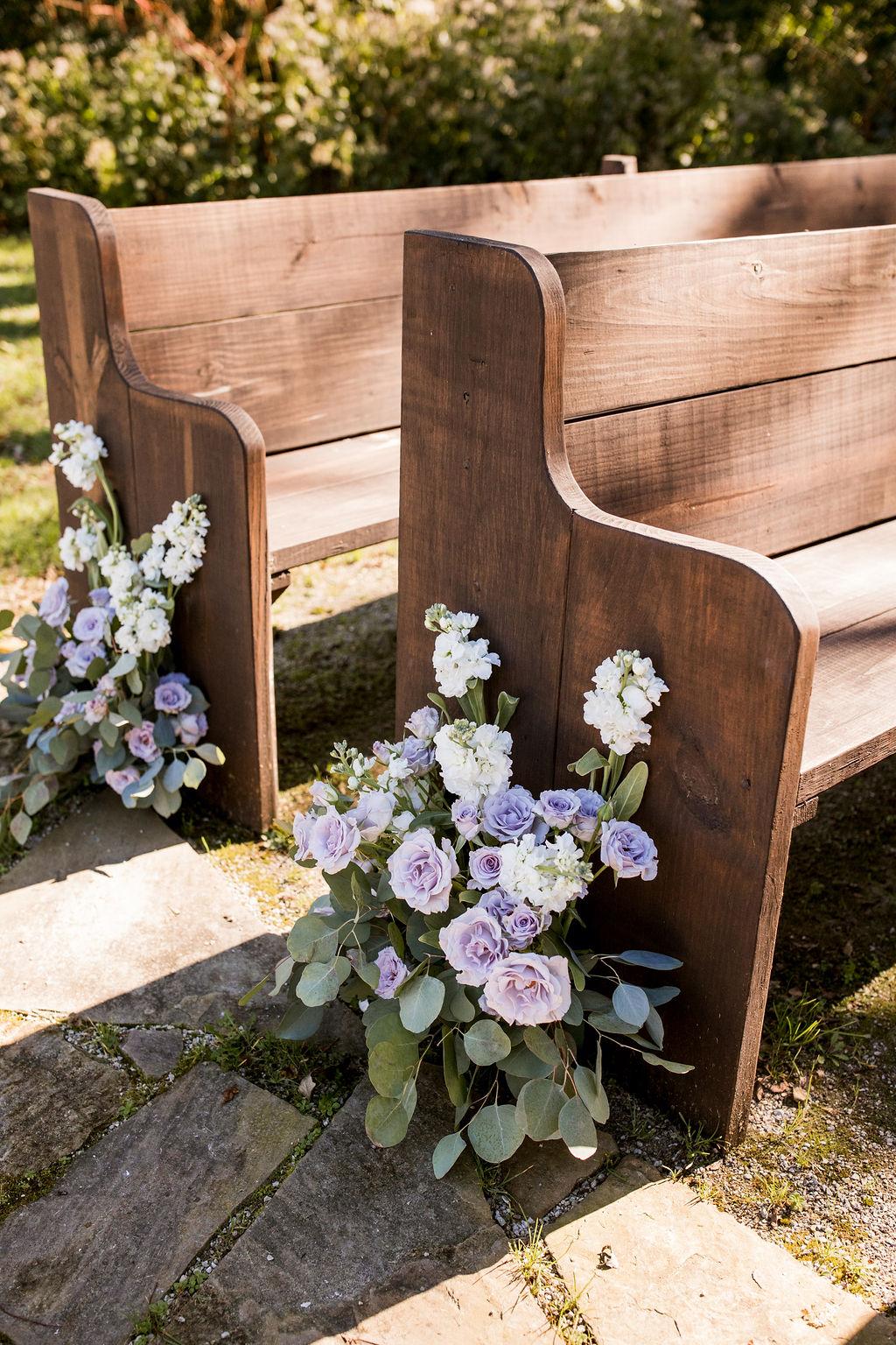 Outdoor wedding ceremony decor | Nashville Bride Guide