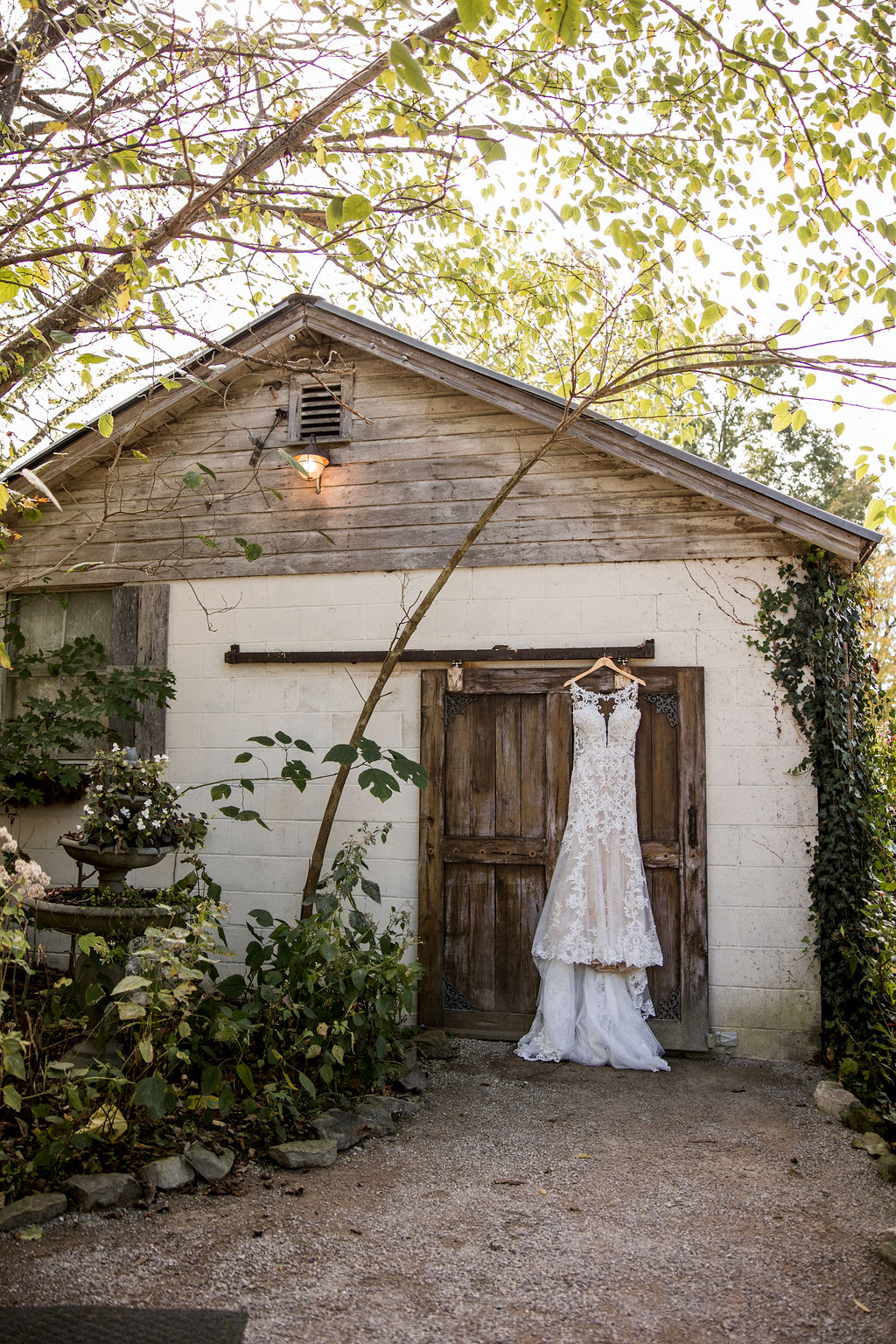 Meadow Hill Farm Wedding by John Myers Photography | Nashville Bride Guide