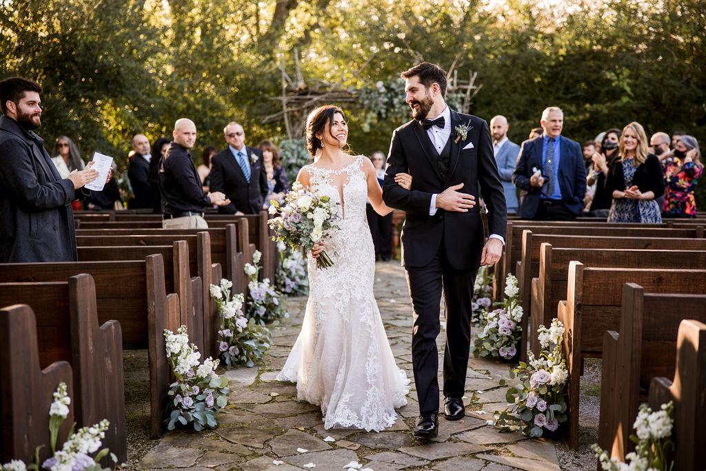 Outdoor Meadow Hill Farm wedding ceremony | Nashville Bride Guide