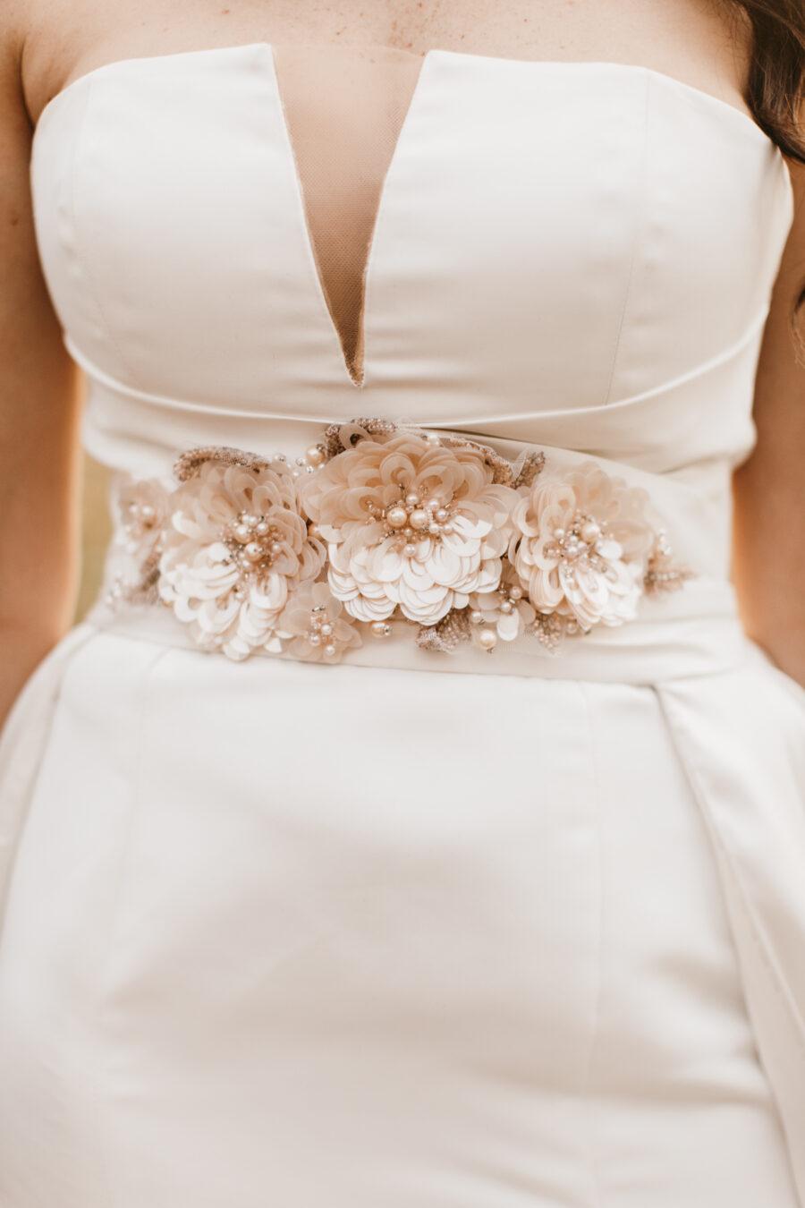 Flower wedding dress belt | Nashville Bride Guide