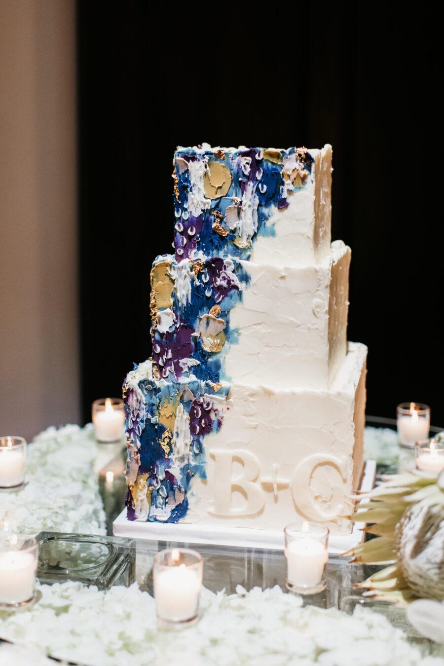 Modern wedding cake design by Baked in Nashville | Nashville Bride Guide