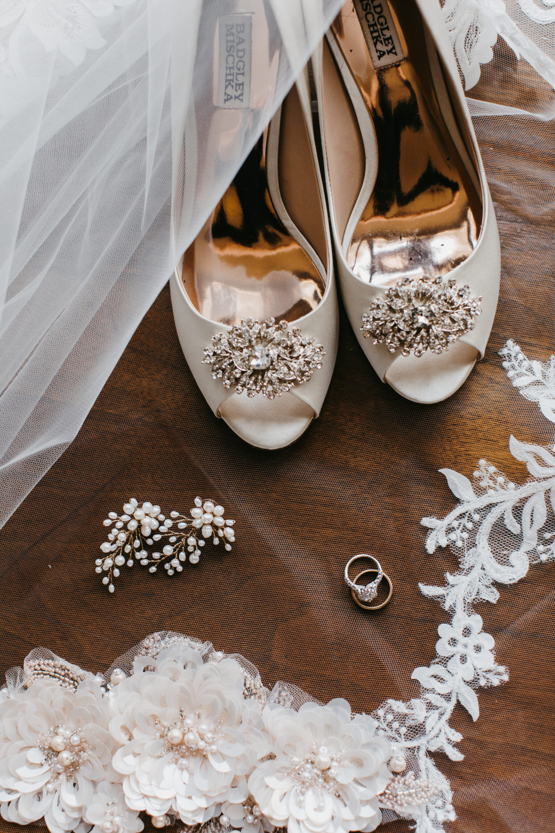 Peep toe wedding shoes and bridal accessories | Nashville Bride Guide