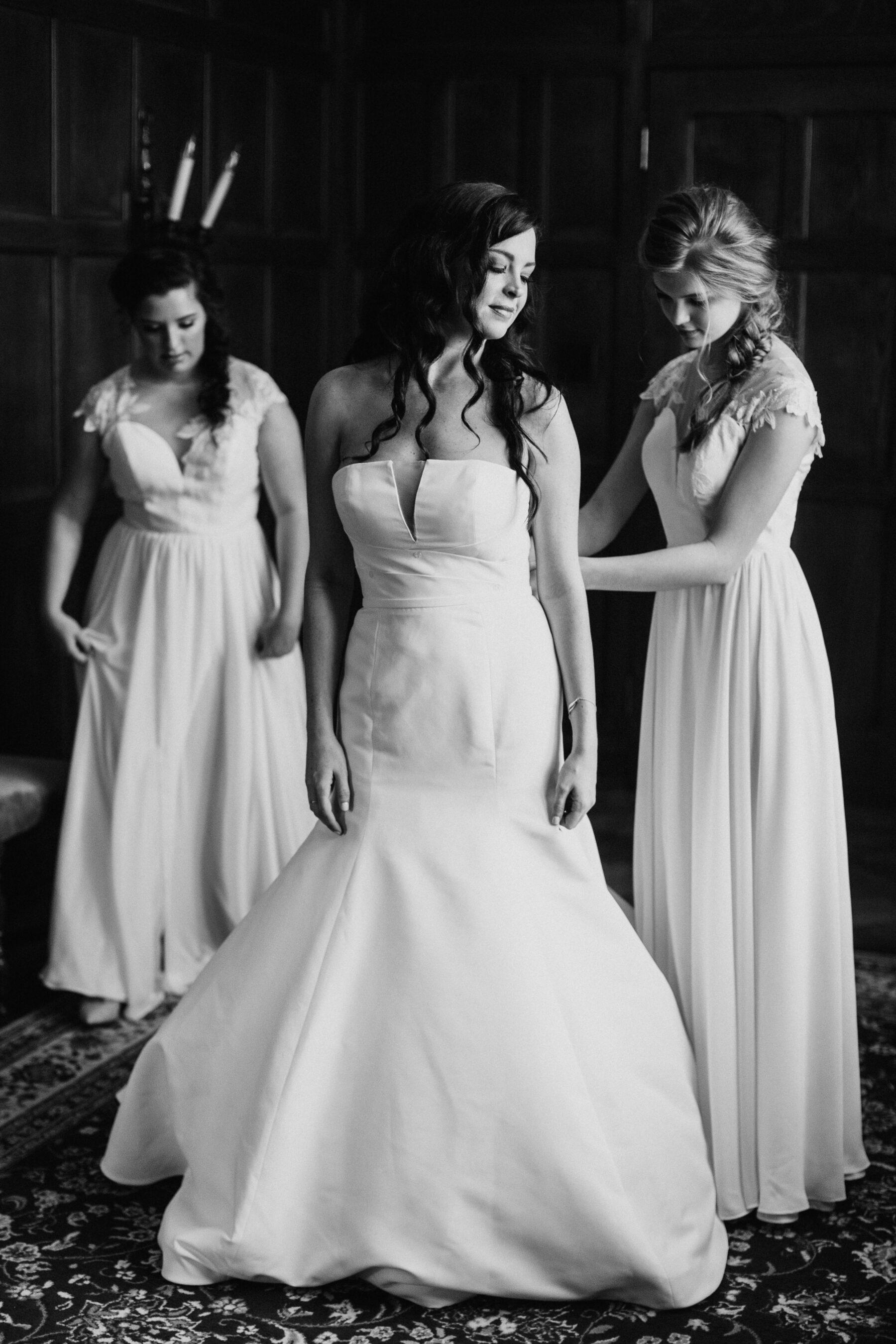 Strapless fit and flare wedding dress | Nashville Bride Guide
