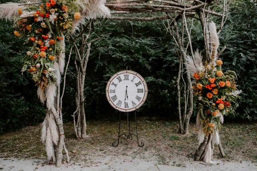 Wedding ceremony clock inspiration