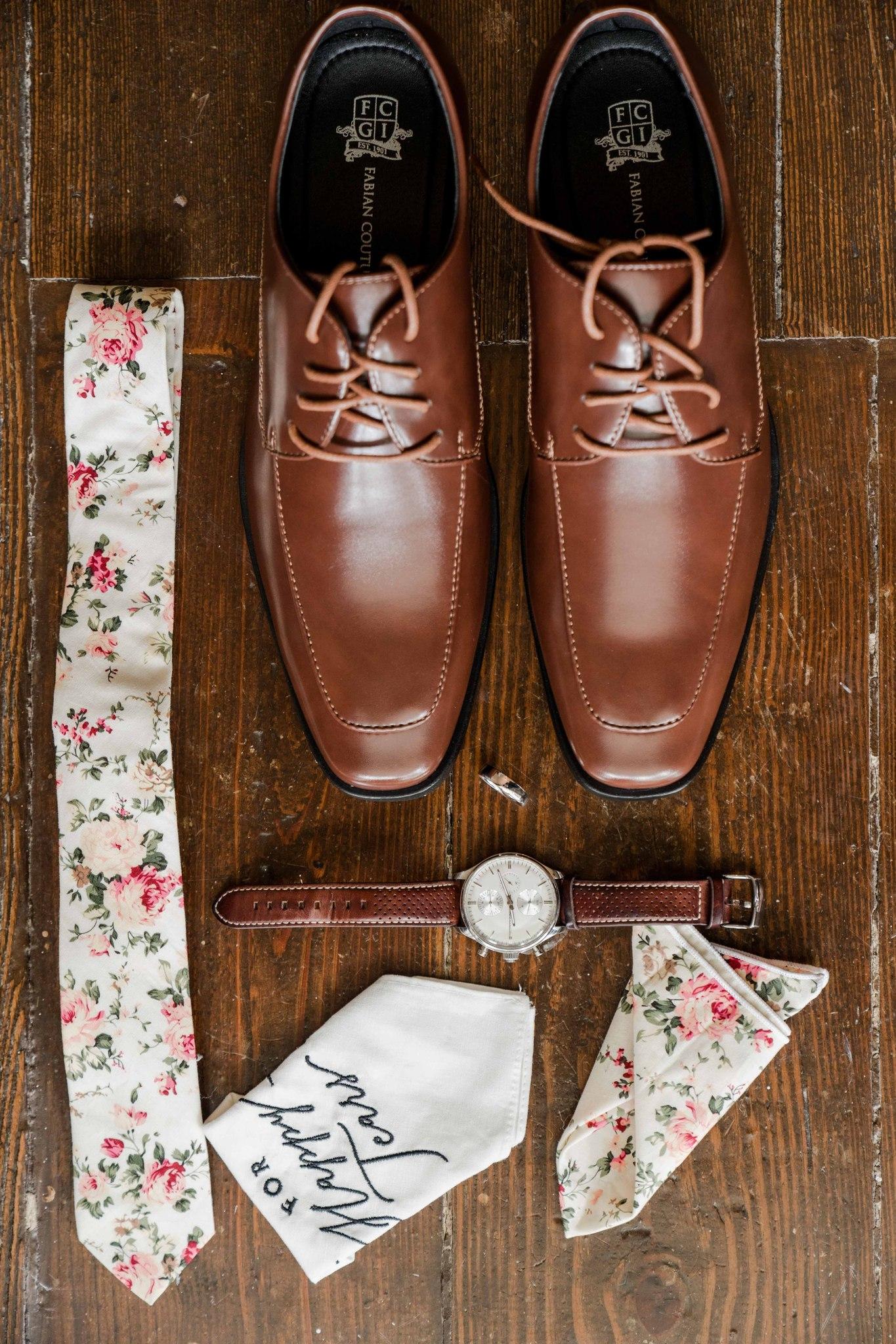 Floral printed wedding tie