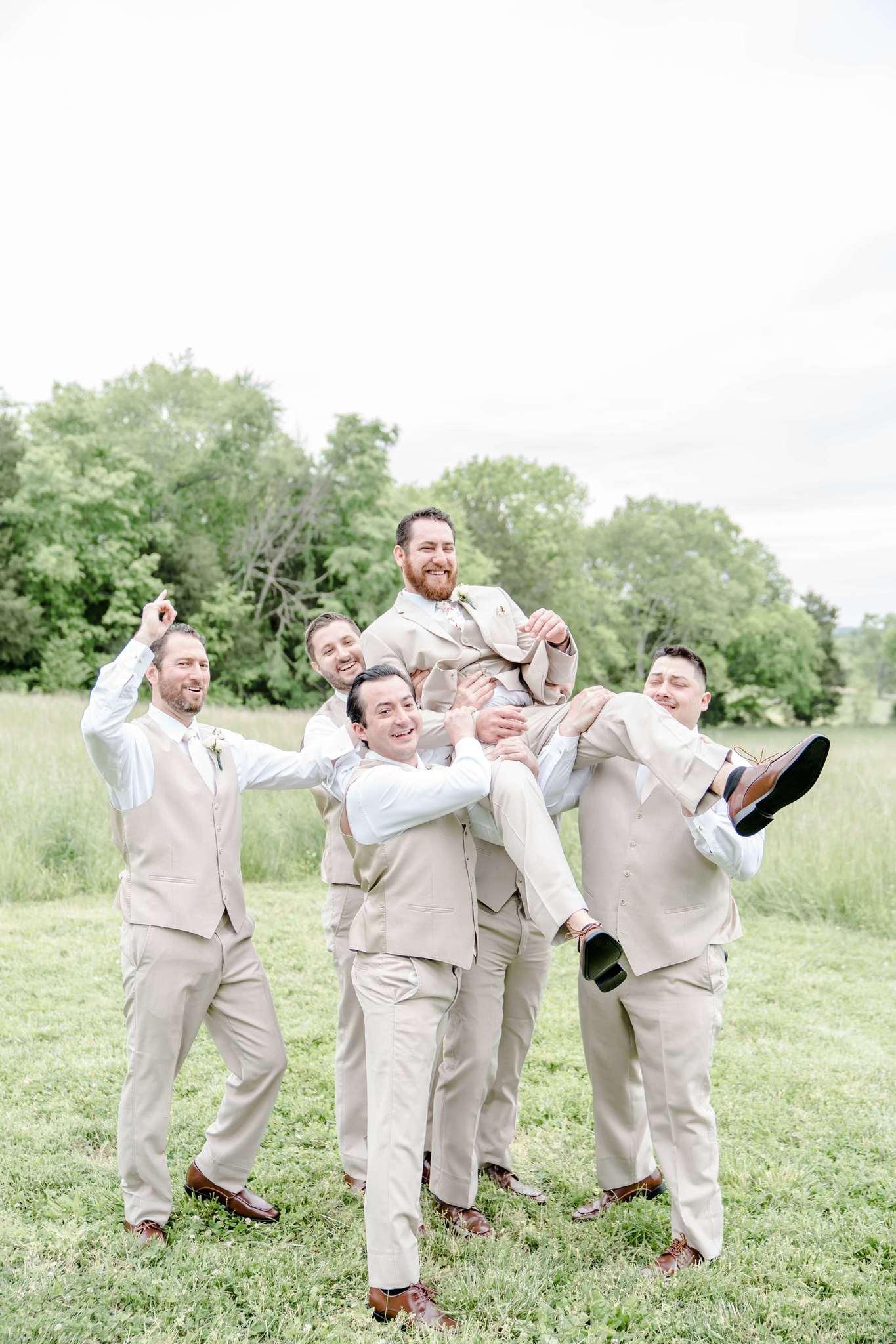 Funny groomsman wedding photos