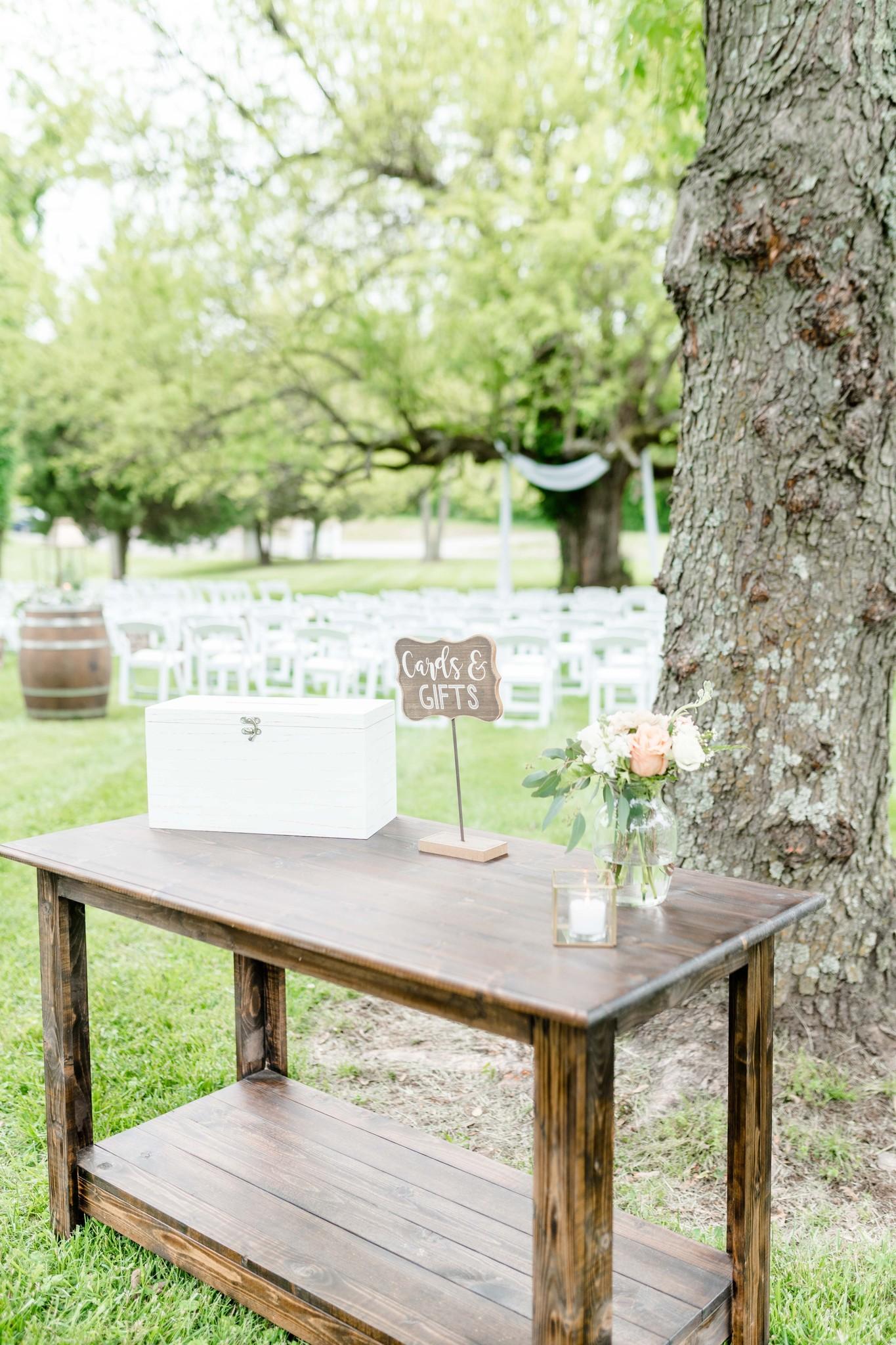 Rustic wedding gift table