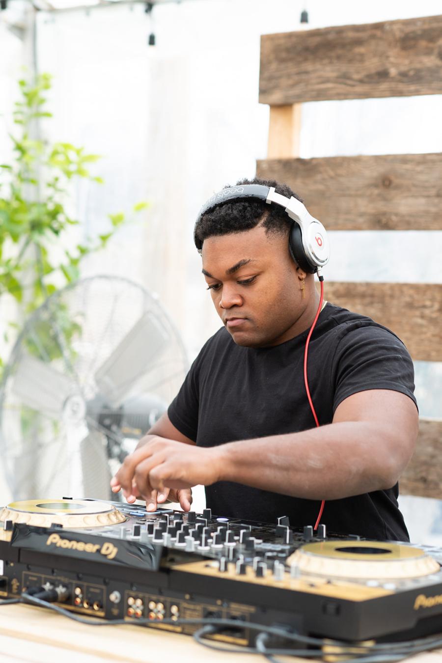 DJ Rio Nashville Wedding Dj