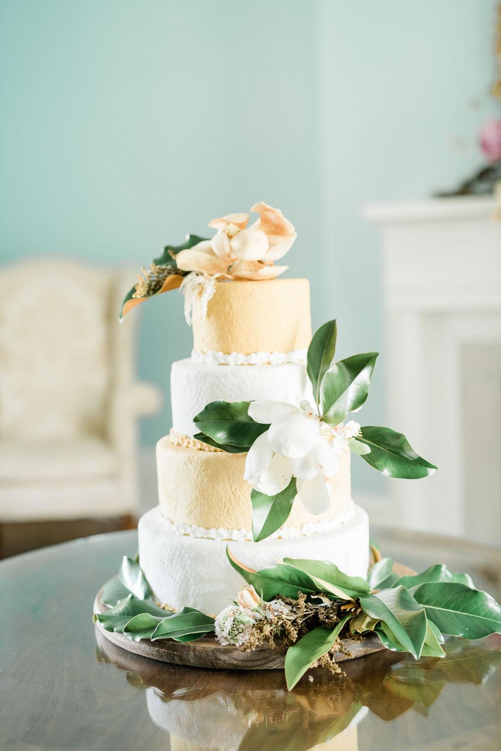Sweet Things Bakery Nashville wedding cake