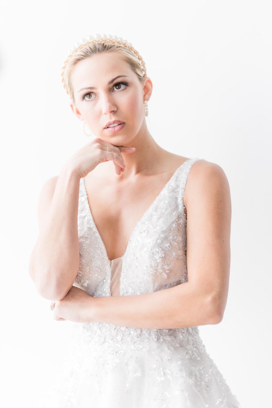 Bridal portrait by Allyography
