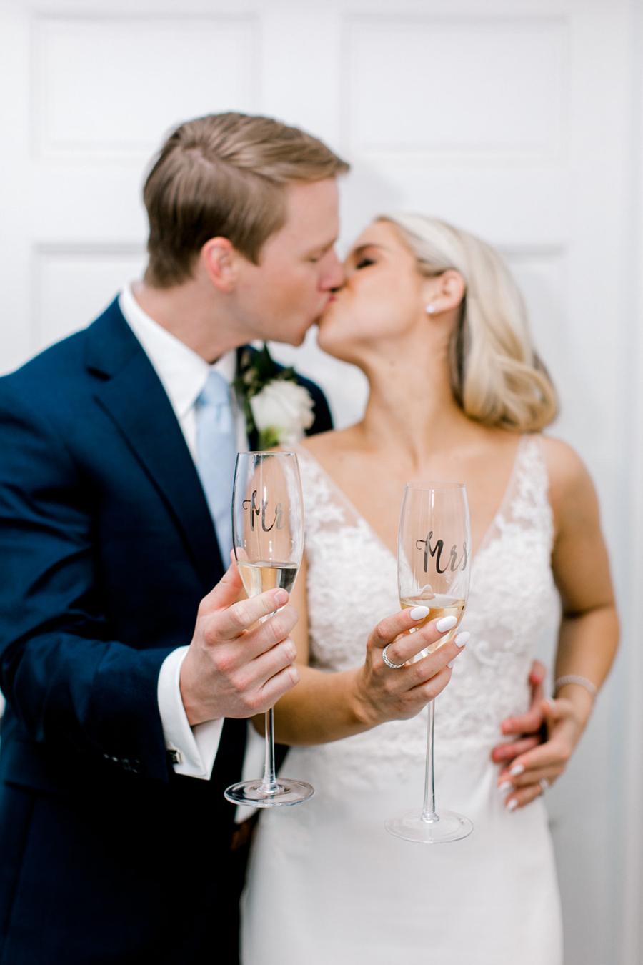 Mr and Mrs wedding champagne glasses